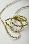 Тесьма зиг-заг золотая, ширина 3 мм